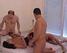 3 ouvriers se tapent la salope de proprio - 1 part 3