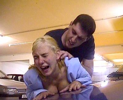 Ils sodomisent une pisseuse dans un parking