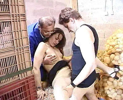 Gang bang de la vendeuse de fruits et l�gumes