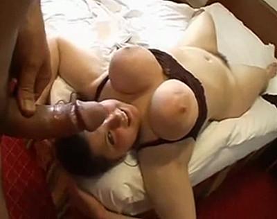 Grosse femme de ménage qui le fait bander